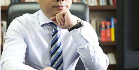 第八届陕西省优秀企业家风采 ——方元企业管理集团有限公司 董事长  杜宏