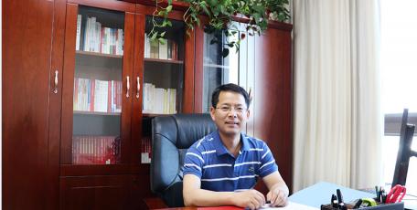 第八届陕西省优秀企业家风采 ——咸阳市天然气总公司 总经理  简玉峰