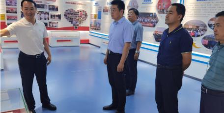 省工信厅党组成员、副厅长刘波赴杨凌调研