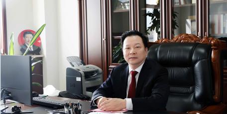 第八届陕西省优秀企业家风采 ——陕西长青能源化工有限公司 党委书记、董事长 何圣龙