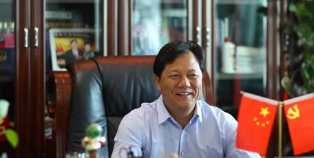 第八届陕西省优秀企业家风采 ——陕西省天桥集团府谷电石股份有限公司 总经理  刘向飞