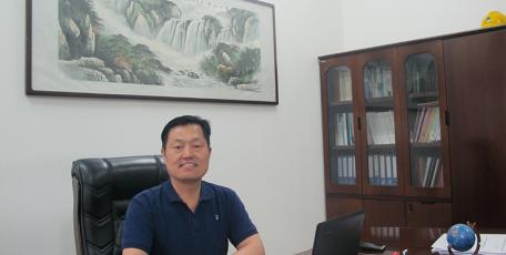 第八届陕西省优秀企业家风采 ——合容电气股份有限公司 总经理 王耀